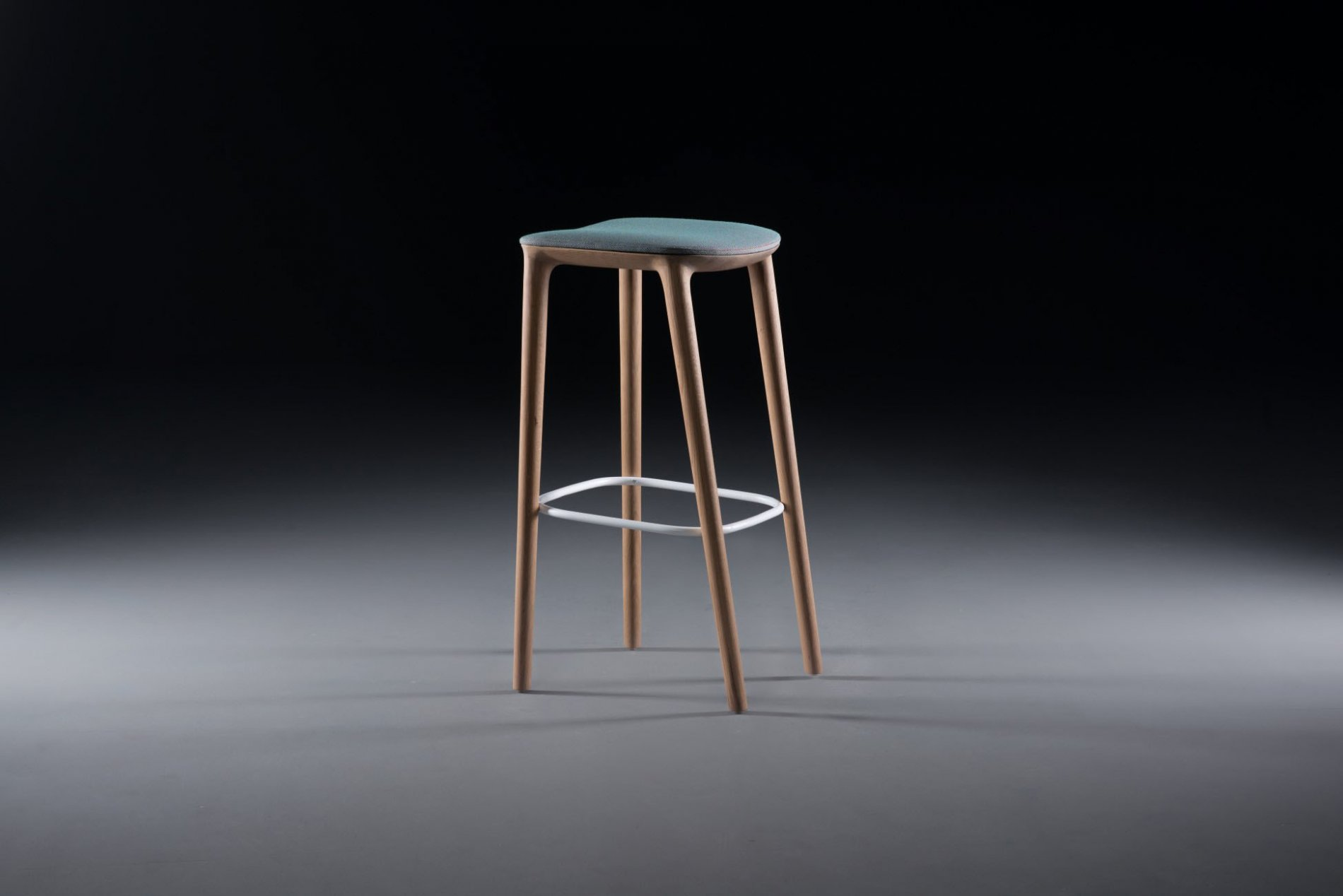 Insight-Neva-Bar-Chair3