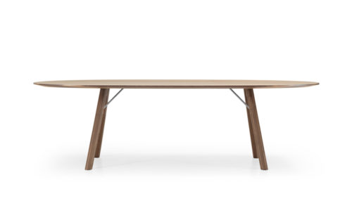 Akio table Girsberger american oak packshot