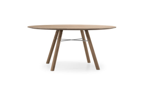 Akio Round table Girsberger american walnut